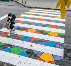 Bulgarian artist Christo Guelov turned crosswalks in Madrid into colorful street art artworks to give more gaiety to the tarmac. Murals Street Art, Street Art Graffiti, Madrid, Passage Piéton, Pedestrian Crossing, Street Painting, Road Painting, Street Marketing, Colossal Art