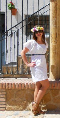 #Vestidos #Ibicencos y #Coronasdeflores. ¡Tándem Perfecto! http://hoylamodaerestu.blogspot.com.es/2014/05/vestidos-ibicencos-y-coronasdeflores.html