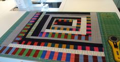The Quilting Edge: Tutorial/QAYG Adding Borders. There are a number of QAYG at this site. Quilting Board, Quilting Tips, Quilting Tutorials, Machine Quilting, Quilting Projects, Modern Quilting, Backing A Quilt, Quilt Border, Strip Quilts