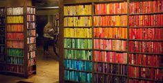"""Rainbow Library"" The Last Bookstore, librairie de Los Angeles"