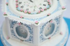 'Inspired by Porcelain' Royal Iced Cake - 1st Place - Donatella Fadel