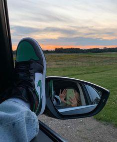 Swag Shoes, Hot Shoes, Best Sneakers, Sneakers Fashion, Shots Ideas, Ideas For Instagram Photos, Insta Ideas, Shoe Wardrobe, Baskets Nike