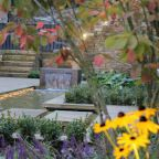 Find home projects from professionals for ideas & inspiration. Urban Courtyard for Entertaining by Inspired Garden Design | homify