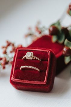 Red Velvent Mrs Box and engagement ring | Jenna Brianne Photography on @Glamour & Grace