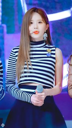 Song Hayoung #kpop #kdrama #bts #exo #kpoparmy Kpop Girl Groups, Korean Girl Groups, Kpop Girls, Korean Entertainment, Bts And Exo, Girl Gifs, Popular Music, Vaporwave, Electronic Music