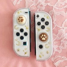 Nintendo Switch Case, Nintendo Switch Accessories, Otaku Room, Gaming Room Setup, Kawaii Room, Game Room Design, Cute Games, Kawaii Accessories, Cute Room Decor