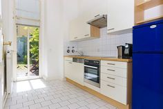 fully equipped kitchen with dish washer Berlin, Dish Washer, City Apartments, Kitchen Cabinets, Dishes, Stylish, Home Decor, Decoration Home, Room Decor