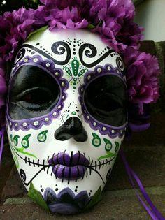 Love the purple on this Catrina mask for El Dia de los Muertos.