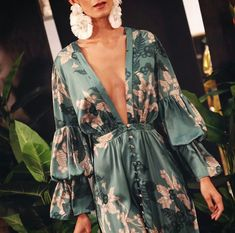 #AmoreMío @gorettymedinac NEW COLLECTION 2019 • GORETTY MEDINA • Colombia • #ExperienciasLiving @ambienteliving Gracias a… Event Dresses, Casual Dresses, Fashion Dresses, Cute Fashion, Girl Fashion, Fiesta Outfit, Cute Short Dresses, Looks Chic, Sweet Dress