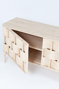 Armario de Tejido de Lukas Dahlén - Inspirado por el tipo más común de la madera y maleza tejer el armario Weave es una versión ampliada de la técnica de tejer algo suave alrededor de una estructura más estable.