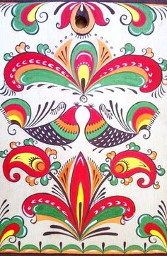 Folk painting from Northern Russia. Floral pattern with two birds. #folk #art #patterns
