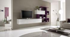un meuble tv suspendu en blanc et lilas dans le salon moderne