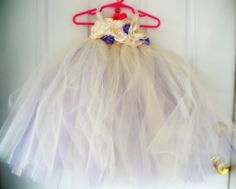Gorgeous tulle and satin flowers dress!!!! Need to find a reason to make this for E!