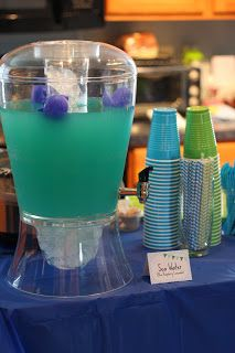Sea Water Whale punch (blue raspberry lemonade) Heather and amanda. My woman's group has a nice crystal drink thing like this. Baby Birthday, First Birthday Parties, First Birthdays, Birthday Ideas, Mermaid Birthday, Baby Shower Themes, Baby Boy Shower, Shower Ideas, Sweets