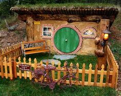 #Hobbit House of #Montana: What began as a quest to build a creative family #getaway in Montana morphed into the Hobbit House of Montana, a structure that boasts a green roof with Middle Earth flair.
