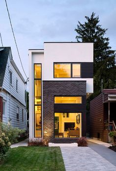 The inspiration behind this gemoetric linear design was largely due to the narrowness of the lot, measuring at 20 ft. in width. #houseexteriors #modernhometour