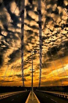 Pont del Bimil.lenari #Elche Espectacular cielo de colores