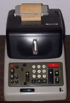 Alte Olivetti Multisumma 24 Rechenmaschine - fraisr.com