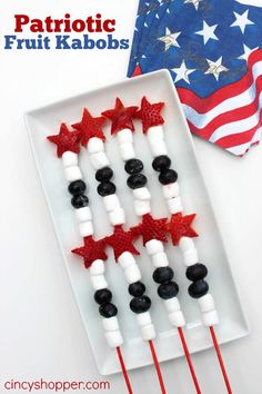 Quick & Easy Patriotic Fruit Kabobs Recipe. Perfect for Memorial Day grill outs and for July 4th entertaining.