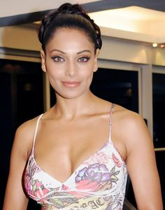 Entertainment Gallery: Top 10 Bollywood Actresses Hot Cleavage Show