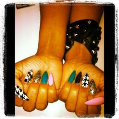 Crazy STILETTO NAILS.
