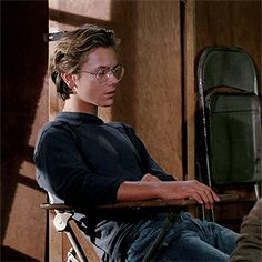 【GIF 動画】River Phoenix RUNNING ON EMPTY「1988」movie clip リバーフェニックス glasses