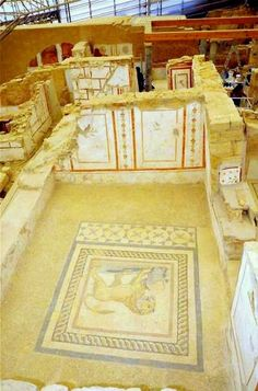 The Terrace Houses with frescoes and floor mosaic at the Lydian city-state Ephesus. Ancient Greek City, Ancient Ruins, Ancient Rome, Ancient History, Ancient Greek Architecture, Ankara, Ephesus, Archaeological Site, Ancient Civilizations