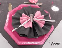 1000 Images About Pliage De Serviettes On Pinterest Napkin Folding Napkins And Papillons