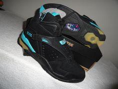 Converse Aero Jam Hi Larry Johnson Grandmama Vintage Basketball Sneakes On Sale Now!!!!!!!!  http://stores.ebay.com/G-Sports-Enterprises/_i.html?_nkw=converse&submit=Search&_cqr=true&_rusck=1&_nkwusc=conversey&_sid=52569171  #nike   #converse   #sneakerhead   #sneakersaddict   #sneakersforsale   #onlineshopping   #mlkday   #sneakers   #shopping   #grandmama   #charlottehornets   #nba