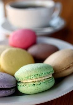 The most delicious French macaroons<3