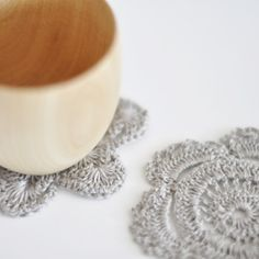 Same floral pattern but done in a more delicate neutral yarn.