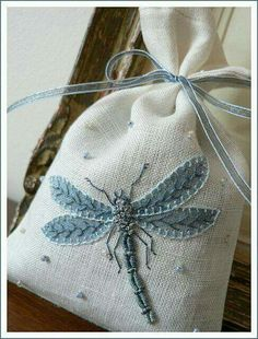 dragonfly, sachet, embroidery Beautifully done! Would look GREAT on a Crazy Quilt patch. Or a Tarot bag! Silk Ribbon Embroidery, Embroidery Applique, Cross Stitch Embroidery, Embroidery Patterns, Machine Embroidery, Quilt Patterns, Block Patterns, Fabric Art, Fabric Crafts