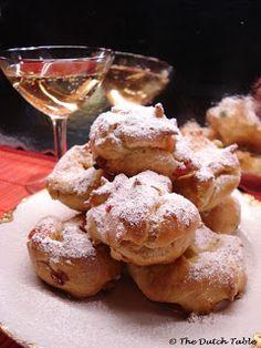 The Dutch Table: Sneeuwballen (Dutch Snow Ball Puffs)