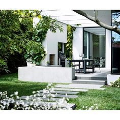 Landscape designer Richard Unsworth of Garden Life in Sydney has has drawn up an affordable and achievable garden plan for My Ideal House.