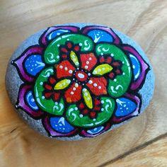 #stoneart #stonepainting #rockpainting #paintedrocks #rockart