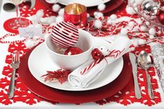 christmas table decoration traditional red white