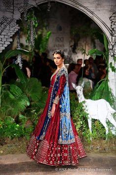 Anju Modi At ICW : Bridal Collection 2017 | WedMeGood