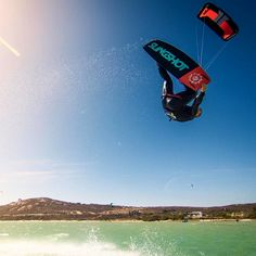 @madd1x spending some quality time with his RPM in South Africa!  #kiteboarding #kiteboard #slingshotkite by slingshotkite