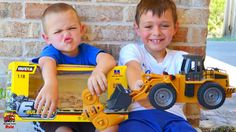Bulldozer Videos For Children l Surprise Unboxing Awesome Digger and Dum...