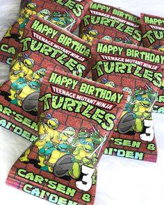 """Spriinkle Me Piink🌸🌺 on Instagram: """"Ninja Turtles Favors! #ninjaturtles #ninjaturtleparty #ninjaturtlesbirthday #turtlepower #spriinklemepiink #ninjaturtlechipbags"""" Teenage Mutant Ninja, Ninja Turtles, Happy Birthday, Instagram, Happy Brithday, Urari La Multi Ani"""