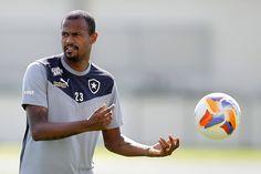 BotafogoDePrimeira: Pouco aproveitado neste ano, Airton está perto de ...