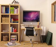 miniature workspace by Stephanie Kilgast (PetitPlat)