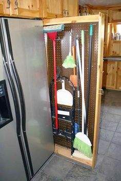 Special kitchen area closet designs are all here, from traditional, easy, modern, minimalist to extravagant despite the fact that they are all ideal for teaming up with your dream kitchen Home Decor Kitchen, Home Organization, Broom Storage, Closet Remodel, Remodel, Interior Design Kitchen, Kitchen Pantry Cupboard, Pantry Design, Diy Kitchen