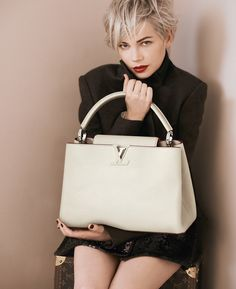 Louis Vuitton's latest advertising campaign spotlights its new handbag and the beautiful Michelle Williams in a series of images photographed by Peter Lindbergh.