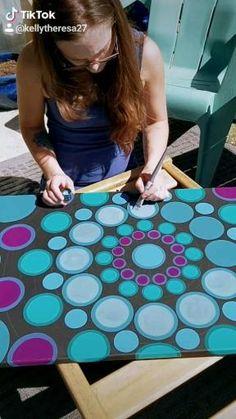Kelly Theresa on TikTok Rainbow Painting, Turtle Painting, Dot Art Painting, Mandala Painting, Stone Painting, Easy Flower Painting, Rock Painting Ideas Easy, Painted Rocks Craft, Hand Painted Rocks