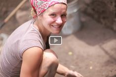 """""""This is a video by Cobworks of one of their cob building workshops in Mexico. Cob is a mixture of clay, sand and straw used for building beautiful homes. Here's a collection of 10 of the best cob homes around the world. Cob Building, Green Building, Building A House, Sustainable Design, Sustainable Living, Earth Bag, Eco Architecture, Straw Bales, Natural Homes"""