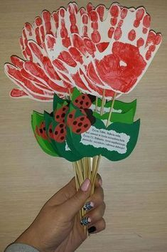 Grandparents Day Crafts for Kids from Busy Bee Kids Crafts Day Crafts for Kids from Busy Bee Kids Crafts Grandparents Day Crafts for Kids from Busy Bee Kids Crafts Grandparents Day Crafts Mothers Day Crafts Preschool, Grandparents Day Crafts, Valentine's Day Crafts For Kids, Valentine Crafts For Kids, Fathers Day Crafts, Valentine Day Crafts, Grandparent Gifts, Vase Crafts, Diy Crafts