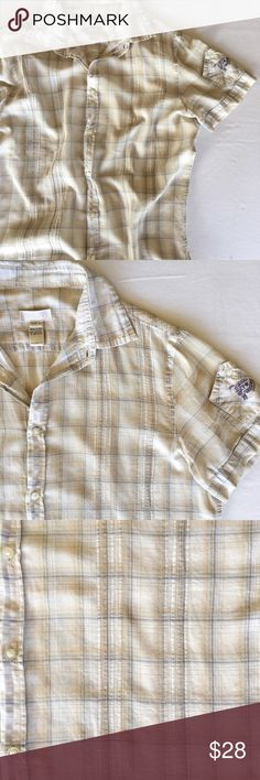 [22] DIESEL Button-Down Fitted Short-Sleeve Shirt Diesel button-down fitted short-sleeve shirt with light blue, tan, and gold accents. Airy and comfortable fit, worn twice. No trades 🚫 Make an offer! Diesel Shirts Casual Button Down Shirts