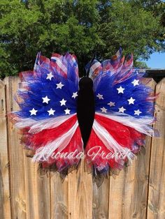 This amazing DIY Patriotic Butterfly Wreath was crafted using the Unique in the Creek flower frame and our FREE tutorials! Grab one of these beautiful butterflies today from Rhonda French or DIY a sim Patriotic Wreath, Patriotic Decorations, 4th Of July Wreath, Patriotic Crafts, Wreath Crafts, Diy Wreath, Burlap Wreath, Wreath Ideas, Diy Spring Wreath