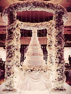Over the top in the best way | Fairytale Wedding | Wedding cake